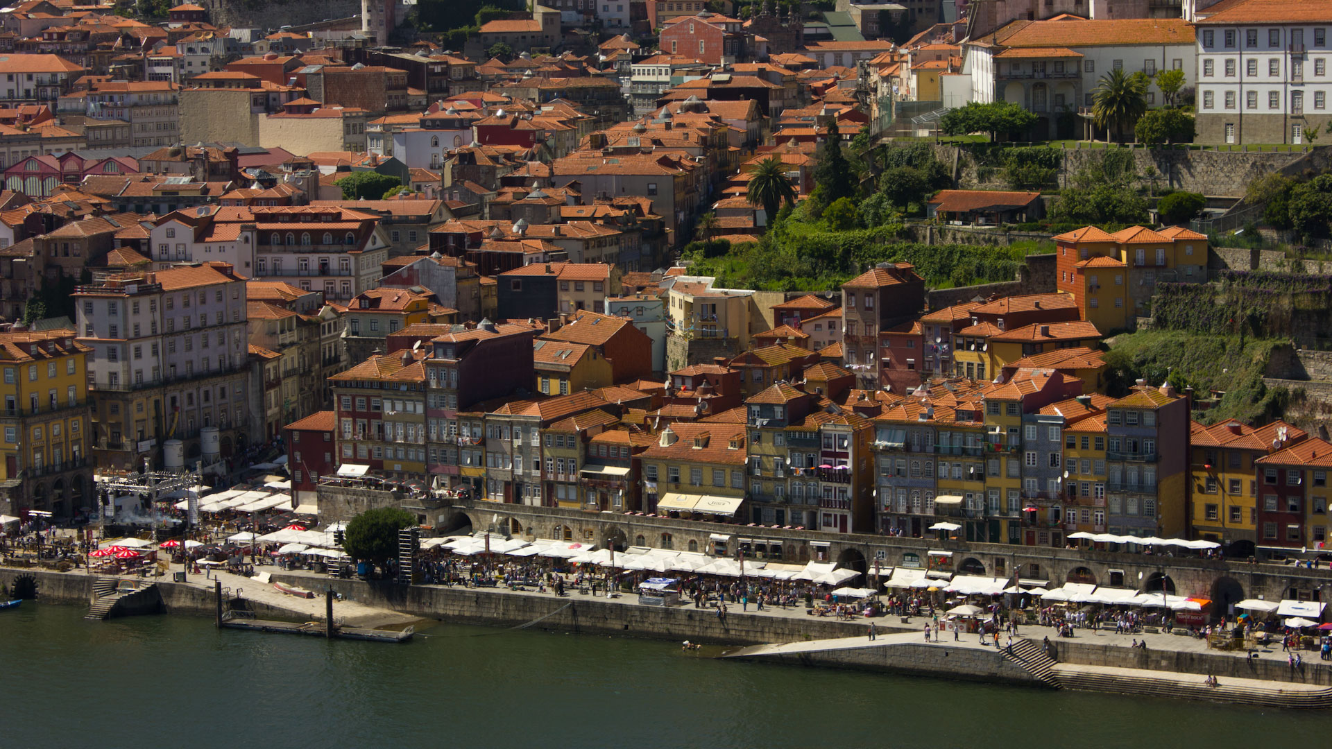 Porto's Ribeira and seafood restaurants