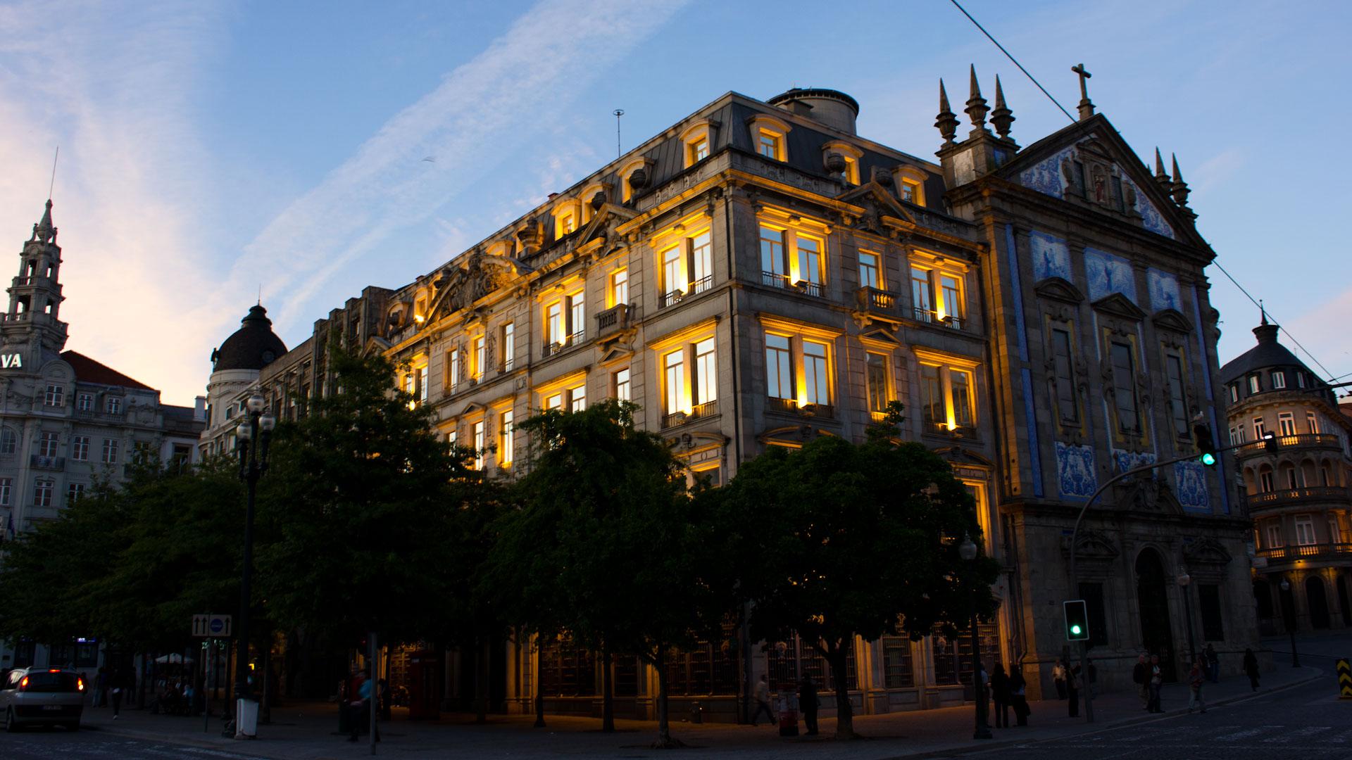 From dusk till dawn in Porto