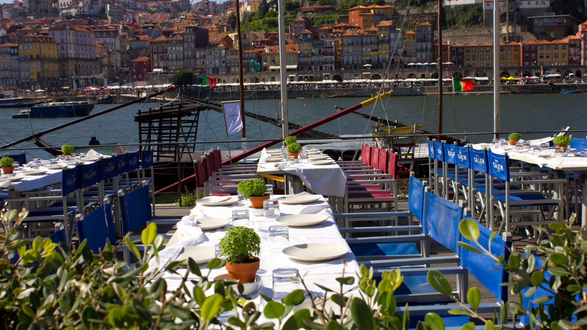 Seafront restaurant in Vila Nova de Gaia